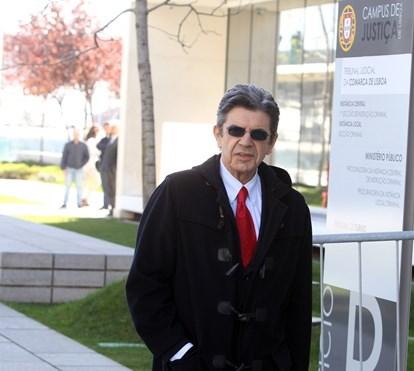 Manuel Maria Carrilho com a vida suspensa