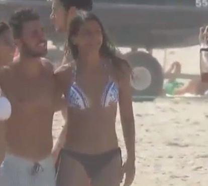 Futebolista Bernardo Silva e namorada fazem furor na praia no Algarve