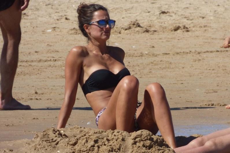 Cláudia Vieira com corpo deslumbrante