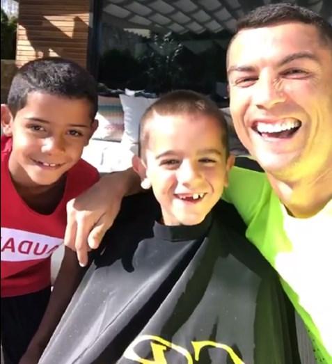 Cristiano Ronaldo em Ibiza de férias com a família
