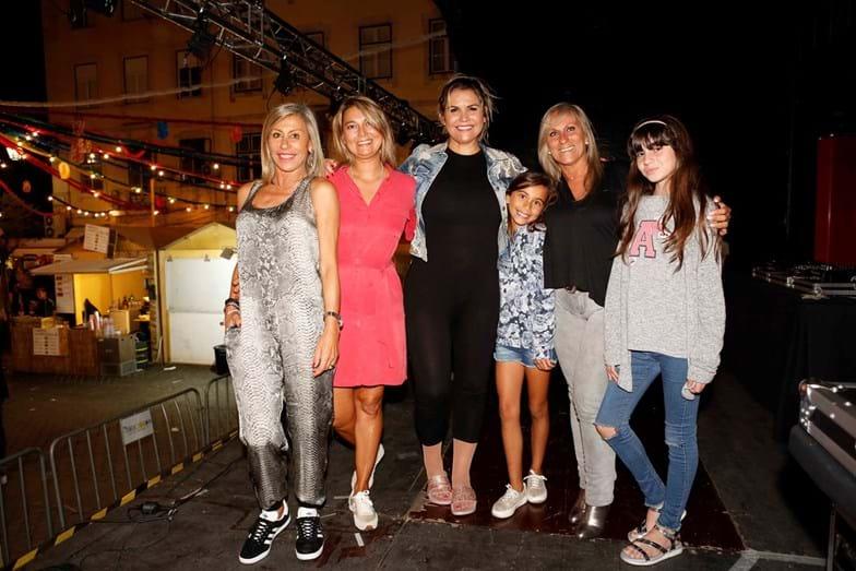 Katia Aveiro brilha em arraial em Lisboa