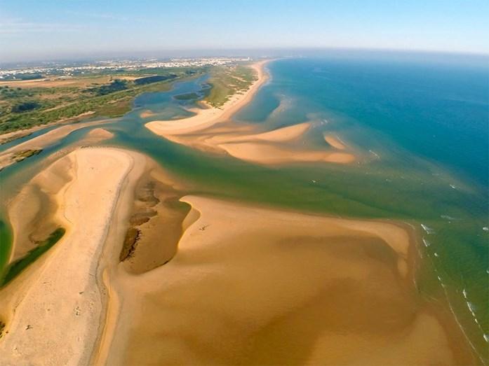 Praia da Fábrica, Vila Real de Santo António - Esta é uma praia sem poluição, analisada pela ZERO – Associação Sistema Terrestre Sustentável