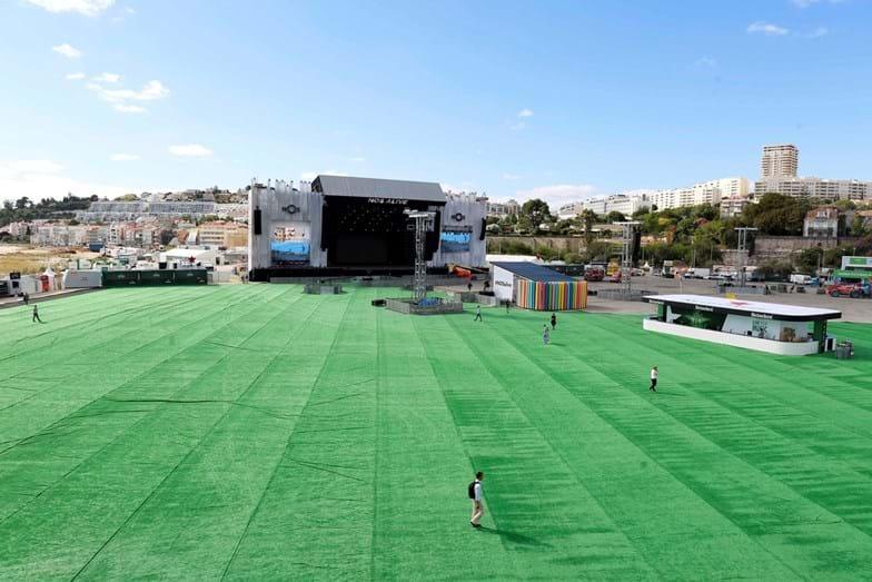 Vista do stand da EDP para o palco principal
