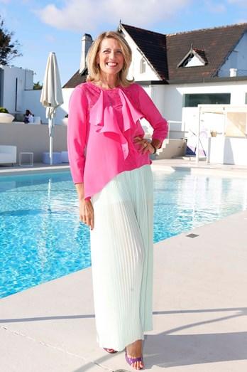 Isabel Nogueira bem disposta no sunset do Farol Hotel