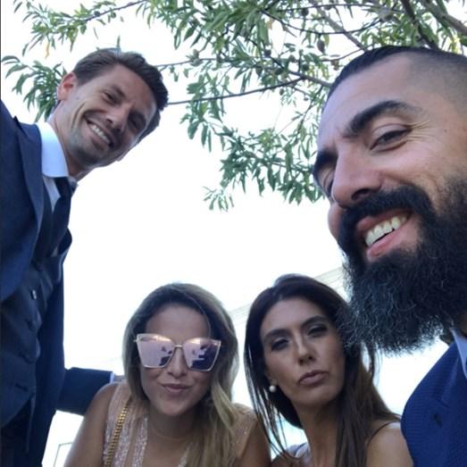 O jogador do Sporting, Adrien Silva e a mulher, Margarida, com Paulo Battista e a mulher, Susana