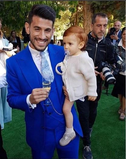 O jogador do Benfica e o filho Afonso