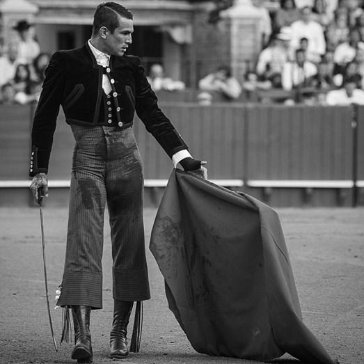 Matador espanhol sex symbol estreia-se no Campo Pequeno