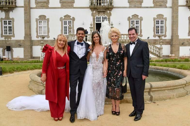 Maria Clara Gomes, os noivos, Lili Caneças e Carlos Magalhães