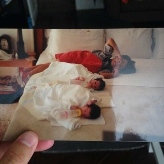 Rui Maria Pêgo ao lado das irmãs, na fotografia de homenagem ao seu 24º aniversário
