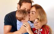 Liliana Aguiar falta a estreia de Zeca... mas ele jura que estão juntos!