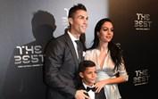 Ronaldo e Georgina festejam prémio do Melhor do Mundo