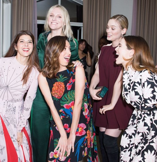 Marisa Tomei, Laura Brown, Aubrey Plaza, Bella Heathcote e Zoey Deutch.