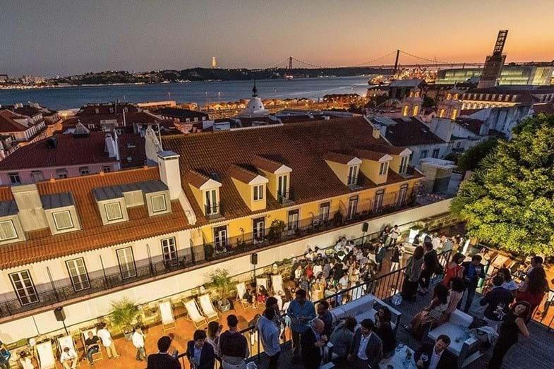 4fd3f2af8c7 Madonna compra quinta em Sintra com ligações à Cabala por 7 milhões ...