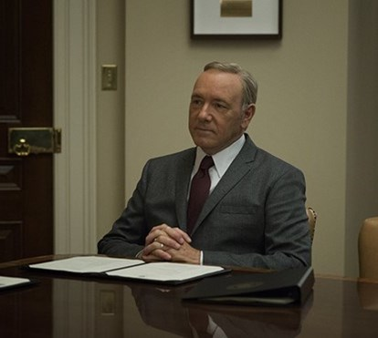 Escândalo sexual com Kevin Spacey leva ao cancelamento da série 'House Of Cards'