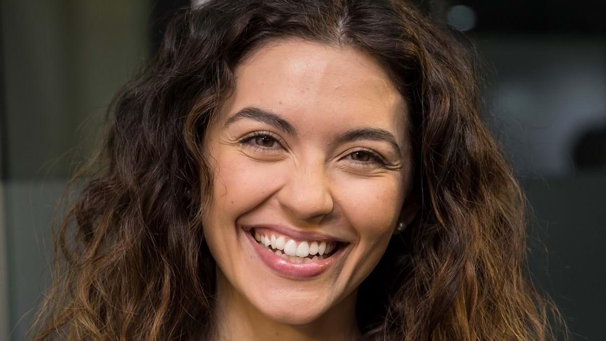 Orgulhosa Sara Barradas Mostra A Brasa Da Mae Nacional Flash
