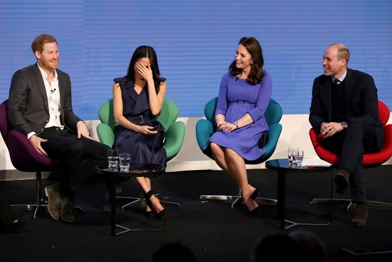 Kate, Meghan, Harry e William juntos em primeiro evento oficial