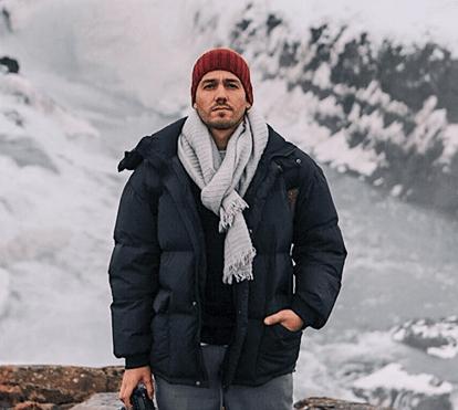 Sem roupa, Pedro Teixeira arrisca vida em aventura na Islândia 864503d7bc
