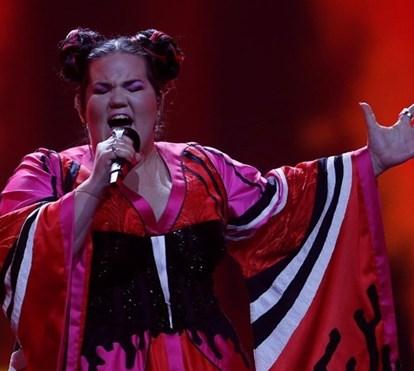 8885f5ac0d2 Dança das galinhas vence a Eurovisão. Portugal... melhor não falarmos sobre  isso