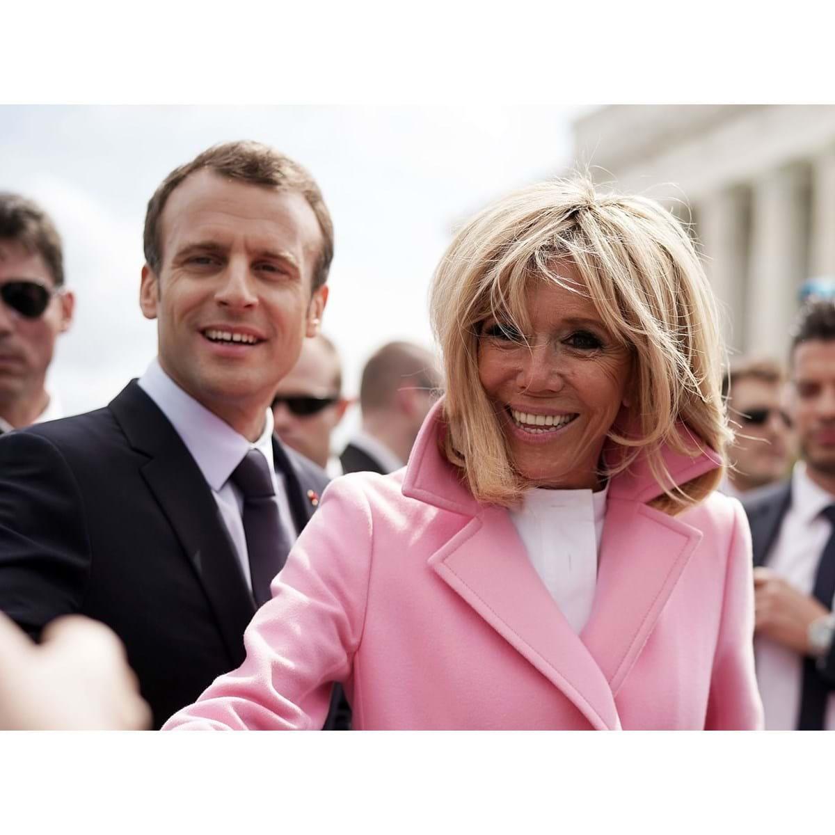 Meu Deus Que Tragedia Descobrimos Porque Brigitte Macron Usa Duas Aliancas Mundo Flash