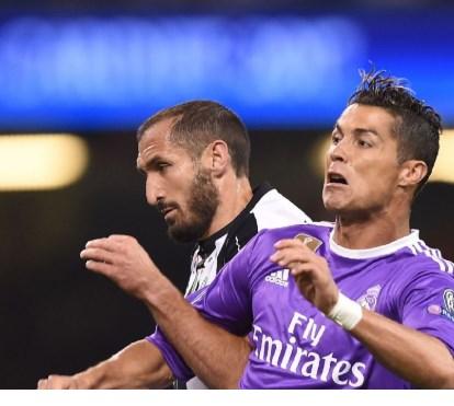 Giorgio Chiellini apanhado todo nu em foto de Cristiano Ronaldo 2192ef7516