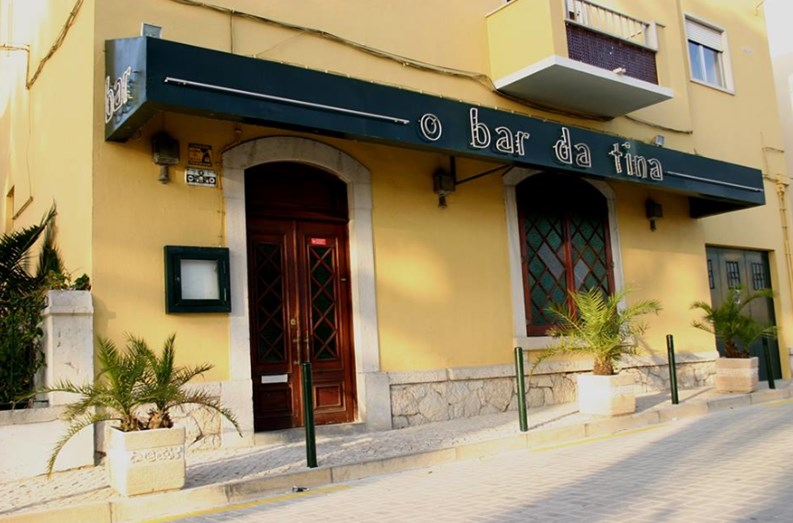 O Bar da Tina, no Estoril