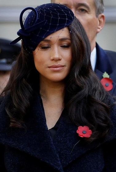 Meghan e Harry participam na Remembrance Day na Abadia de Westminster