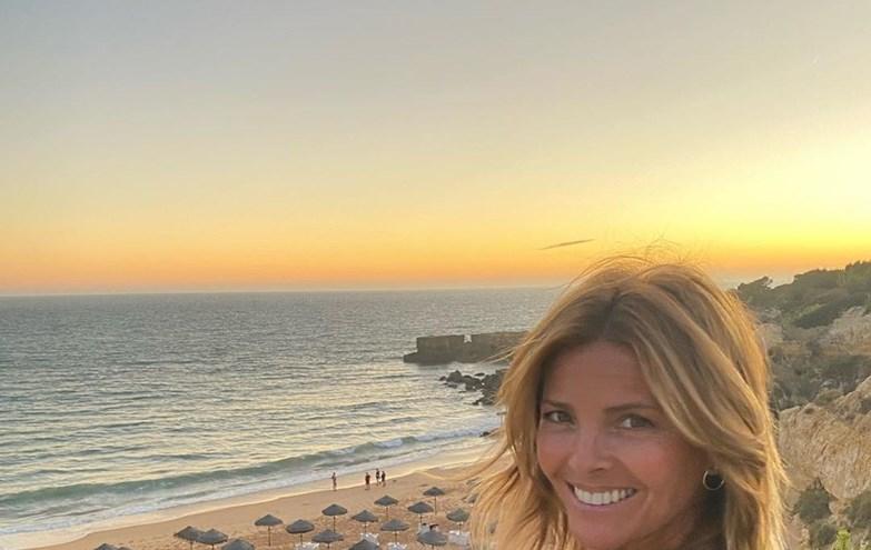 Sónia Araújo deslumbra em biquíni
