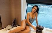 Aguenta coração! Georgina Rodríguez arrasa de lingerie a bordo do seu iate