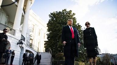 Melania Trump sofre para andar na relva com saltos de 12 centímetros